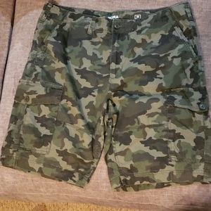 Camoflouge cargo shorts